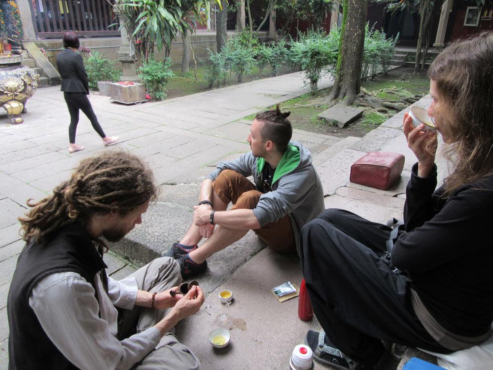 Čajování v prastarém chrámu