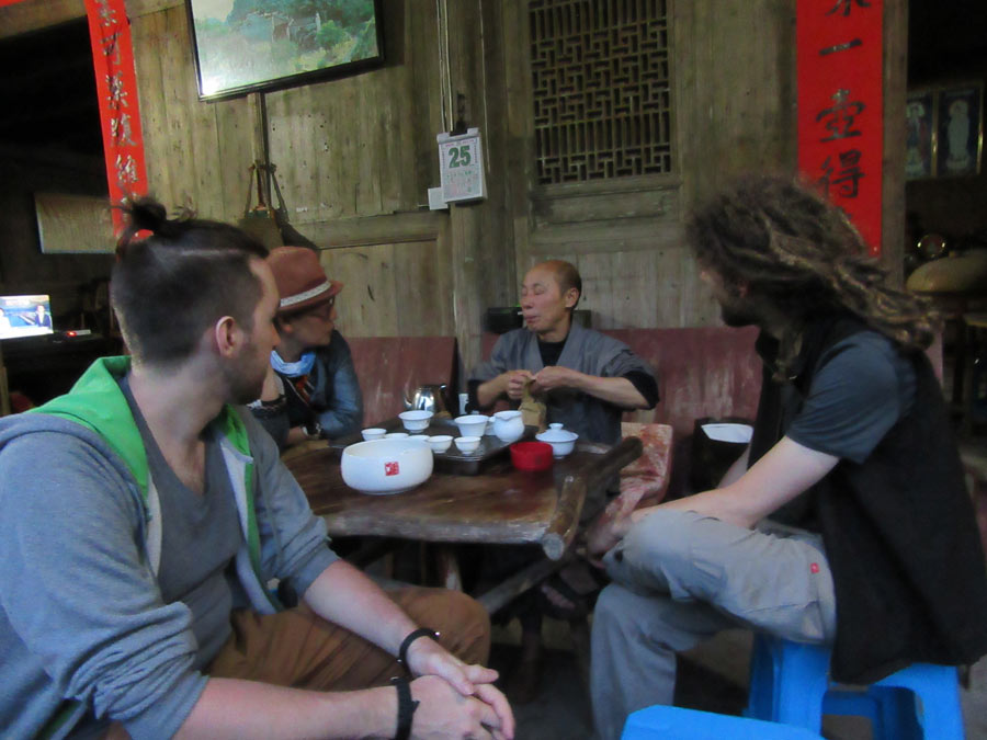 Noční čajování ve Wuyi