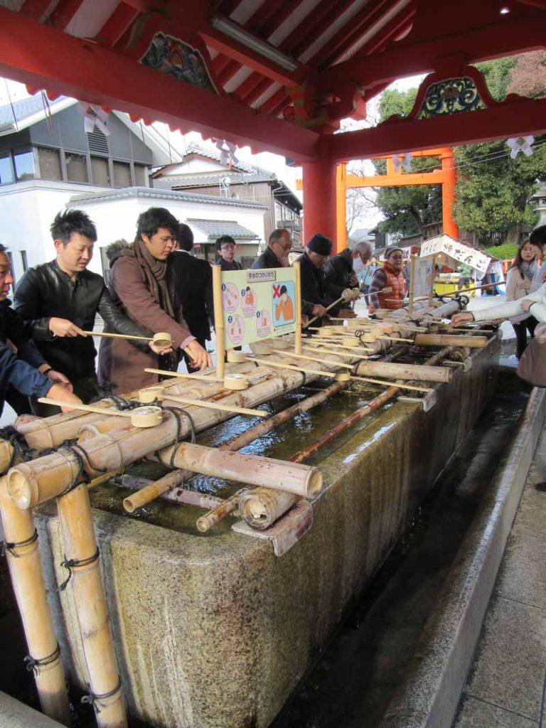 Fushimi Inari - rituál očisty rukou